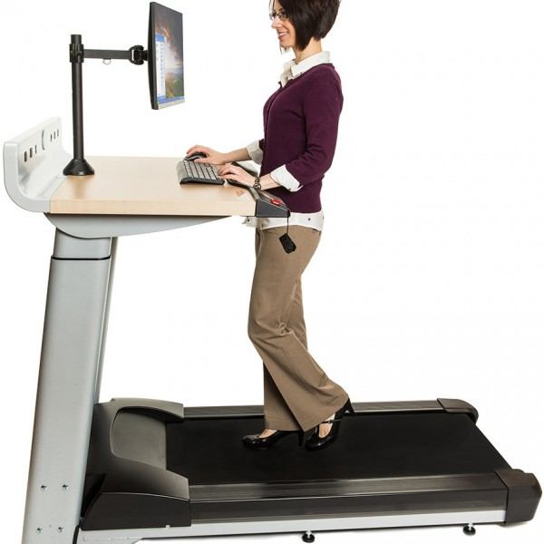 web_image_treadmill_desk_woman_mr